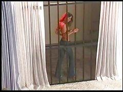 Di Veronica Zemanova prende in giro dalle sbarre !