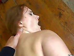 Plantureuse amateurs baisée au poste de de bus