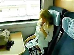 Heißer deutscher Sectretary hat Sex on the Train