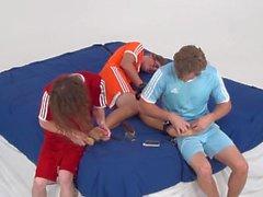 Spike Süper Ticklish Toes ve Tabanlar (Ayaklar Gıdıklama çılgınlık) Has