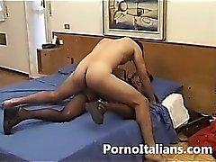 Casalinga italiana figa oelosa scopata da amante - italian porn amateur wife