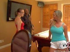 WCPClub rencontres Femme au foyer Milf bénéficie d' BBC et d' un soin visage