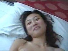 Schöne chinesische Mädchen fucking einen kleinen Schwanz!