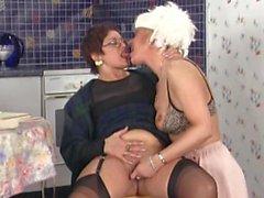 Best of Reife Damen Junge Maenner 4 part 1