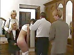 Russische schoolmeisje harde gestraft door leraar