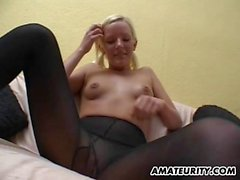 Amateur young girlfriend shaves pussy and gets cum