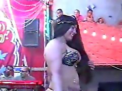 layaly chienne belly dancer montre son cache Vidéo 2.015