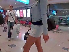 LGH - Tamia Miniskirt und High Heels in Dubai