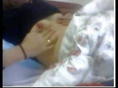 Пожилая китайский мамочки показано несколько титьки на ее сумасшедшего кулачкового показывают