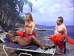 Giants Tits fait baiser et de pulvérisées par des 2 perverses miniatures b $ la R