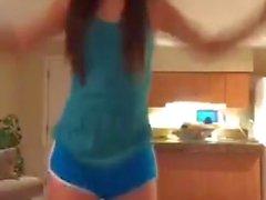 Ein weiterer Sexy Tanz von Comedian Esther ku