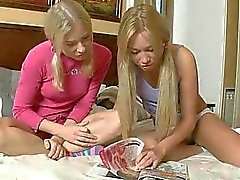 Teen girlie masturbating