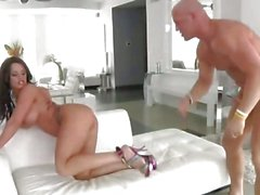Bootylicious Kerry Louise spreads her legs to enjoy hardcore slam on her ass