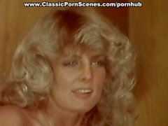 Vintage porn with two blonde babes blowing and getting nailed