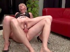 Dirty and skinny french mature's getting fucked