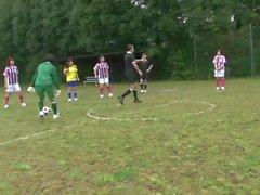 STP7 Japanese Teens Football Training Part 1 !