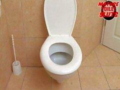 mature toilet sluts-Jutka