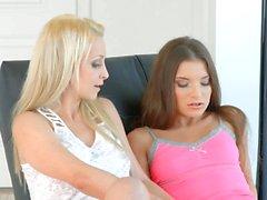 Sapphic Erotica Nina and Anita B