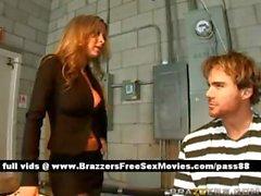 Два изумительные шлюхи поговорить заключенного