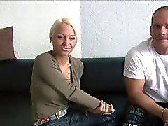 Deutsch Pornostar SEXY CORA beim Userdate mit Schulz450
