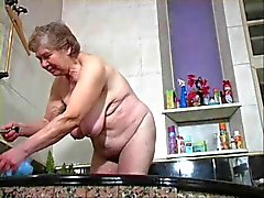 mamie dispose d'une douche