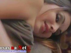Vacker brunett som gör sex