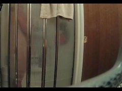 Жене Телевизор а полоски - Большой съемка ее халата отрываясь