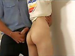 Naughty Boy pidätettiin ja perseestä Raunchy Poliisi
