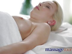 Massage Rooms Soft skinned beauty's juicy hole tingles