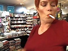 Redhead - Korthaar MILF Roken - Fetish - Neuken