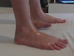 Cockcrush dancing and footjob with long toes