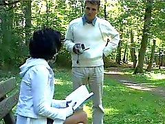 Het tjej N123 franska brunett tonåring i en parc