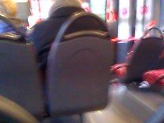 Masturbando em autocarro 3