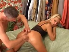 Amateurs intercourse and fisting hard