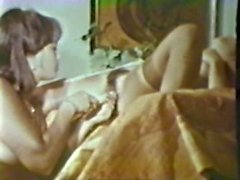 Lesbian Peepshow Loops 535 70's and 80's - Scene 3
