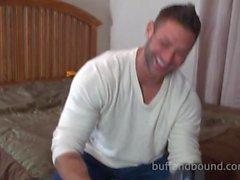 Muhteşem Muscle Üstyapı için Bound ile Tickle - Mike Buffalari