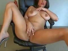 Gorgeous Michelle on webcam - more at spicy-hol