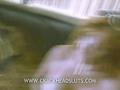 Crackhead старая леди сосет Джонса хуй