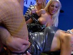 blonde and blonder - Scene 3