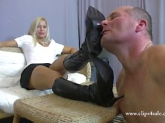 casual sole licking