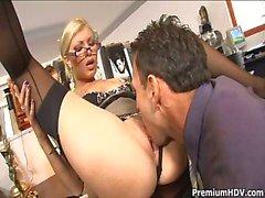 Toimisto Slut Donna Bell Gets Ramm ...