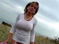 Lady.S Utomhus naken Allmänhetens