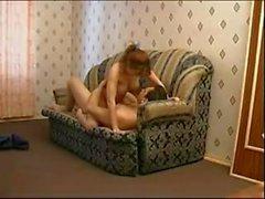 Farsan förför styvdottern av i soffan - 60 minuter