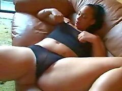 Tesão GF Ex Fat Chubby Ebony masturbando seu bichano molhado