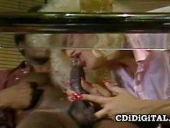 Del chanel il prezzo procace Blondie intersecato da un di BBC
