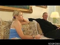 YouPorn Down - Barnvakt att suga bebis grandpa mellan balle