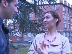 La Novice - Julia Gomez se fait enculer - FRENCH