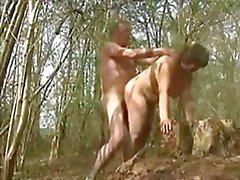 Min fru knullade i skogen med en främling