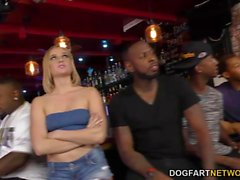 Interracial Anal Gangbang avec Kate England
