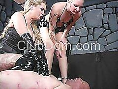 Необычный Dominatrix экстрим рабом пытки